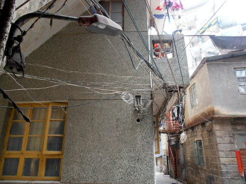 apartment wiring, Xiamen - photo by Neil