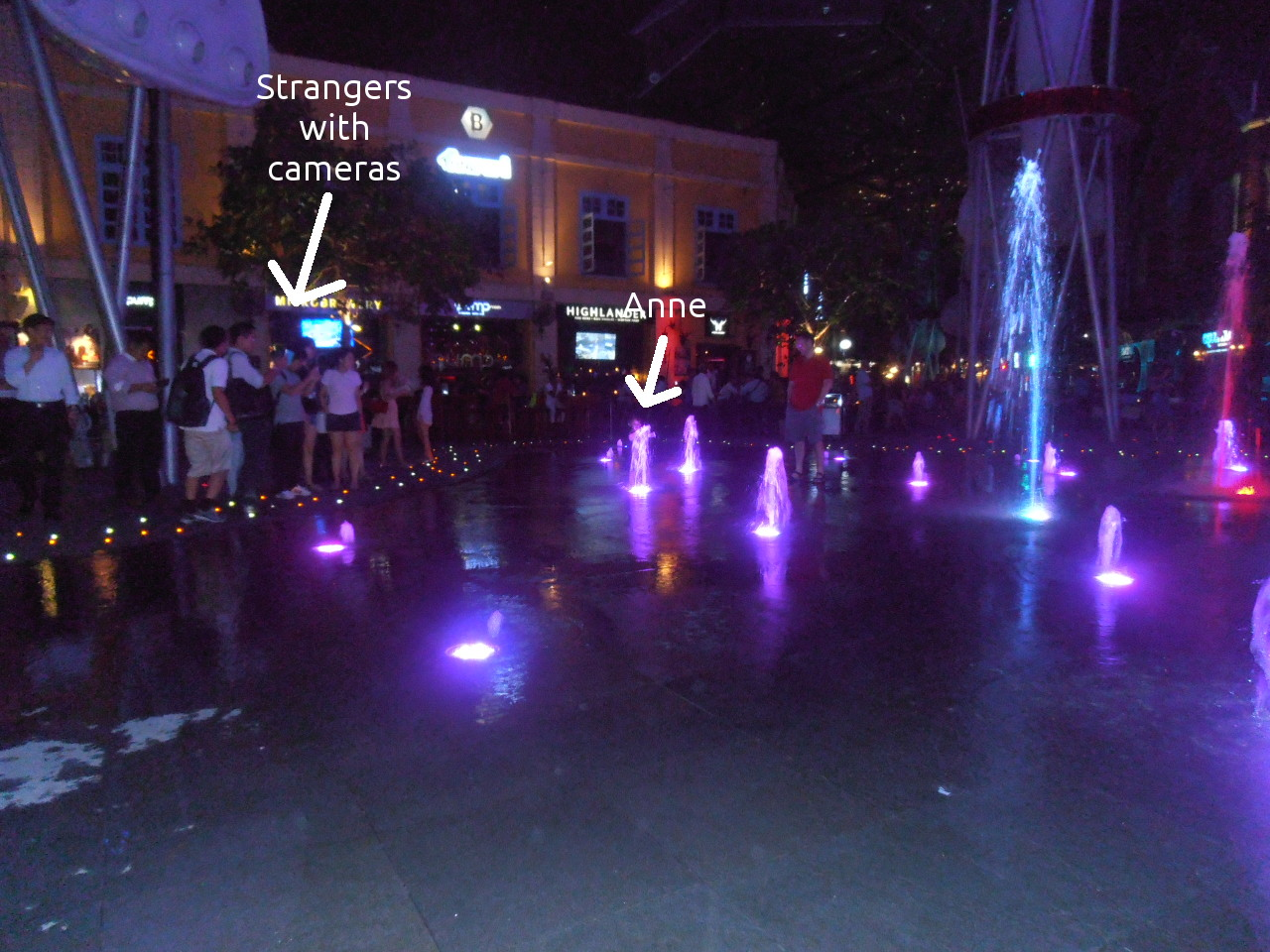 Clarke Quay fountain